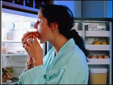 _46310286_m245118-young_woman_craving_food_at_night-spl